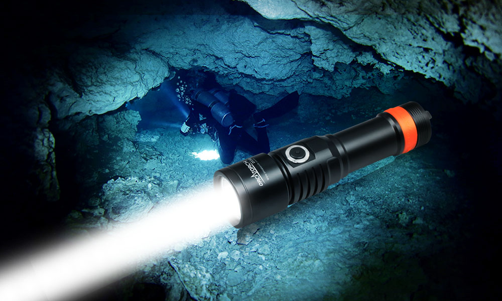 OrcaTorch D530 primary dive light